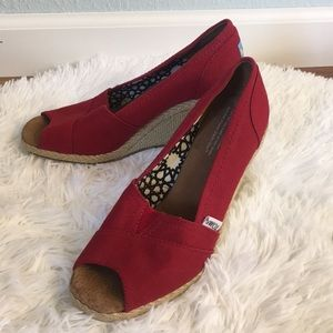 Toms Rope Heeled Peep Toe Red Wedges Size 7 1/2